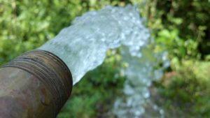 4 szklanki wody na czczo jest lekarstwem na zaparcia